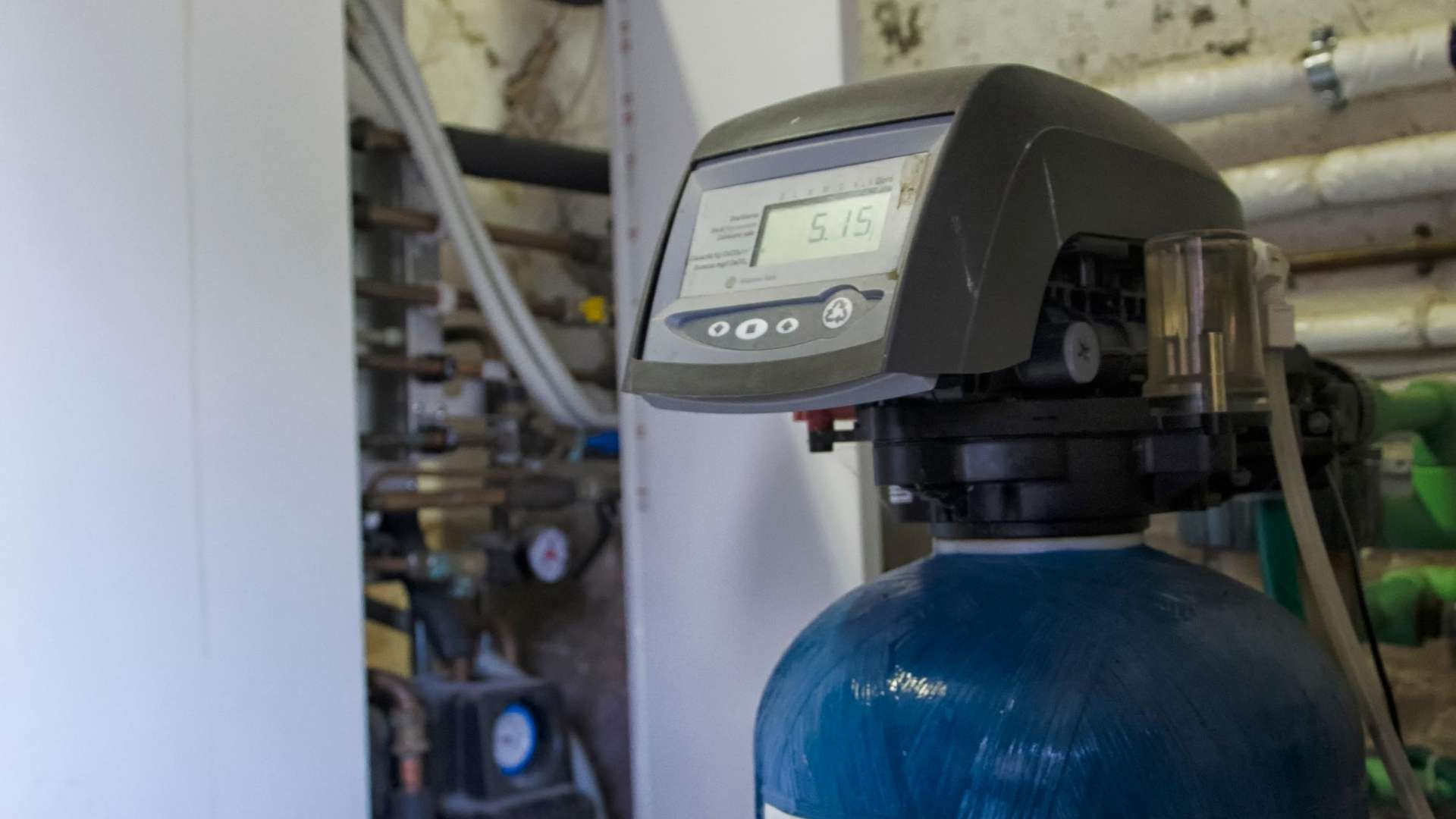 Does a water softener remove chlorine